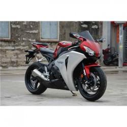 本田摩托车跑车CBR1000RR